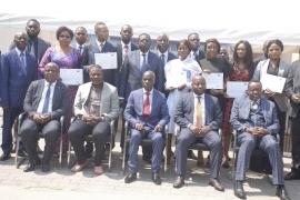 Cérémonie de remise des brevets de formation aux cadres de l'Autorité de Régulation des Marchés Publics  en qualité d'Officiers de Police Judiciaire à compétence restreinte par l'Institut National de Formation Judiciaire